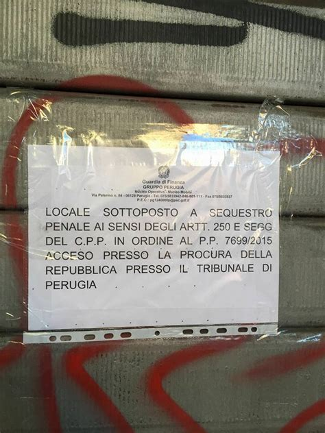 libreria universitaria perugia quot fotocopie illegali quot la finanza sequestra copisteria a