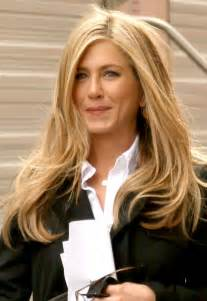 what color are aniston s aniston successful performer gossip