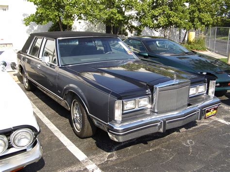 free car manuals to download 1984 lincoln town car seat position control service manual free 1984 lincoln town car service manual service manual 1984 lincoln town