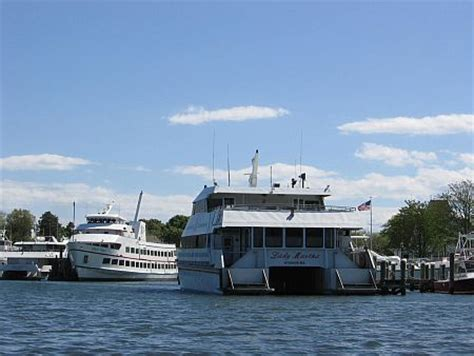 cape cod ferries marthas vineyard ferry ports schedules fares and