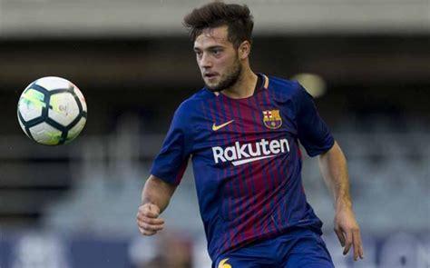 barcelona striker lionel messi hasn t yet signed contract how barcelona signed young striker jose arnaiz