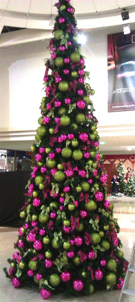green christmas decorations 25 best ideas about indoor christmas decorations on