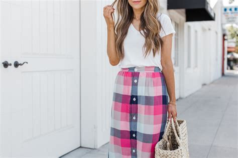 Buttoned Plaid Skirt welcoming diy you can make for the warm