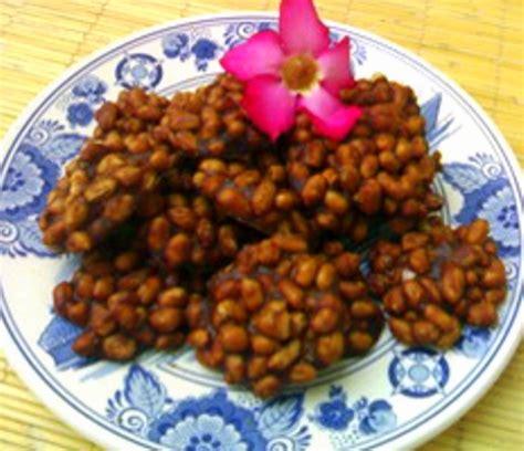 membuat makanan ringan dari kacang hijau resep ampyang gula kacang kabarkuliner com