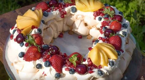 Pavlova For Pavlova by Berry Merry Pavlova Steve S Kitchen