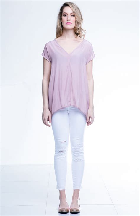 Angela Top the canvas angela top with a silky fabric feel can go well with any bottoms including my
