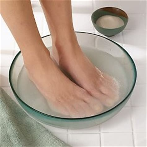 What To Put In Water To For Foot Bath Detox find out how to stop from sweating excessive