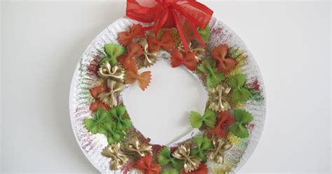 8 Delightful Crafts by Paper Plate And Pasta Wreath From A Delightful