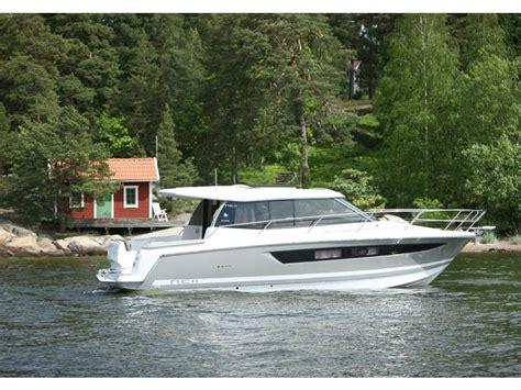 barche cabinate jeanneau nc11 in puglia imbarcazioni cabinate usate
