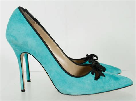 turquoise high heel shoes manolo blahnik solid turquoise black outline pointy toe