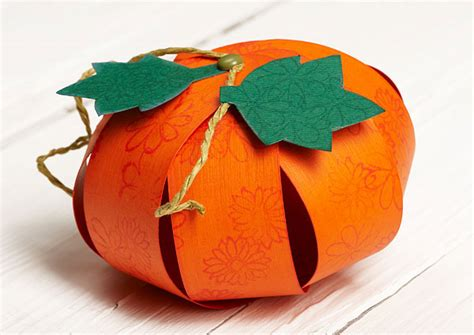How To Make 3d Pumpkin Out Of Paper - 14 diy paper pumpkin craft ideas guide patterns