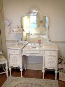 Antique Makeup Vanities by Make Up Vanity Curly Cues