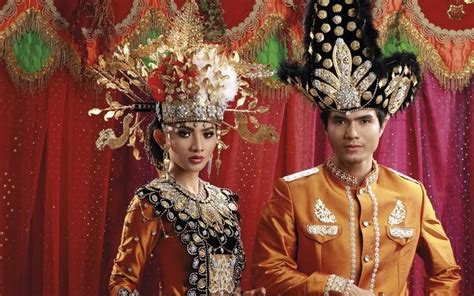 Aksesoris Pengantin Lung Baju Adat ciri khas pengantin gorontalo dari busana hingga aksesorinya mahligai indonesia page 2