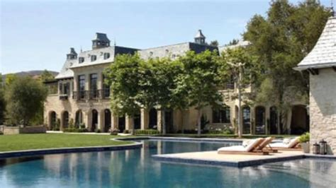 Tom Buys A Mansion by Dr Dre Buys Tom Brady S Mansion In Southern California