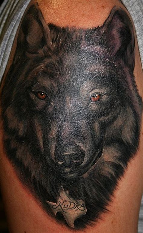 Black Wolf Tattoo On His Shoulder Tattoos Book 65 000 Black Wolf Designs