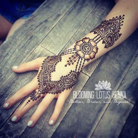 henna tattoo portland jewelry style focal flower henna www bloominglotushenna