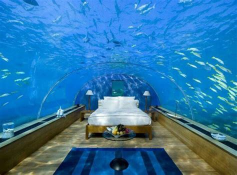underwater bedroom in maldives underwater bedroom suite in maladive hotel places i d