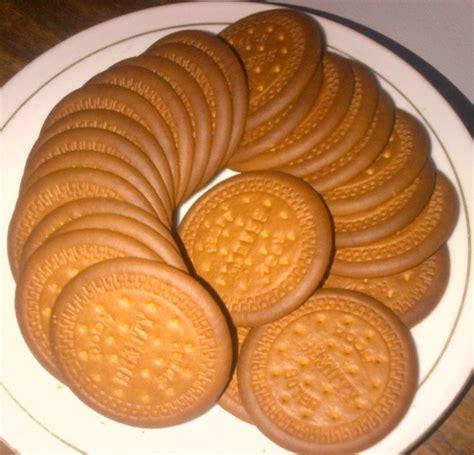 Coklat Biskuit yuk ajak sikecil buat kue bola bola biscuit coklat