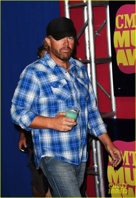 toby keith ryman 161 best music country music stars images on pinterest