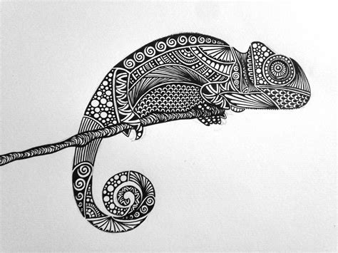 zentangle pattern drawing as meditation chameleon bnw zentangle zendoodle mandala lineart