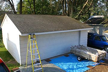 How To Reshingle A Garage Roof by How To Shingle A Roof Tearing The Shingles And