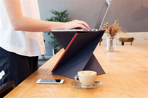 portable standing desk kickstarter this portable standing desk folds down to the size of a