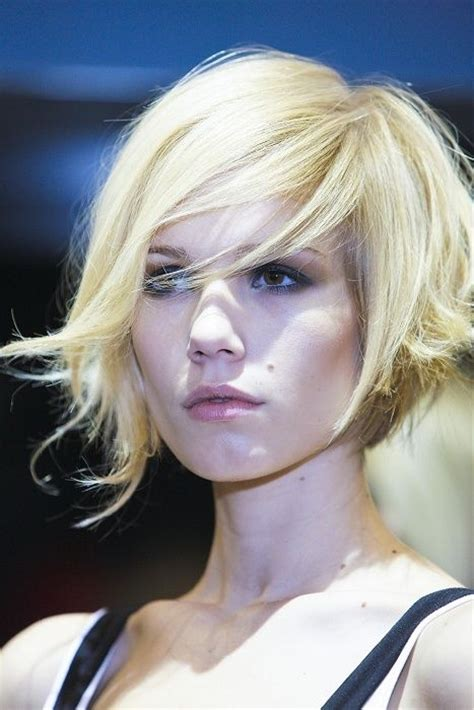 blunt bob with wispy ends 50 wispy medium hairstyles bobs asymmetric bob and in love