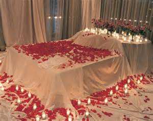 Beautiful bridal wedding bedroom decoration ideas with flowers