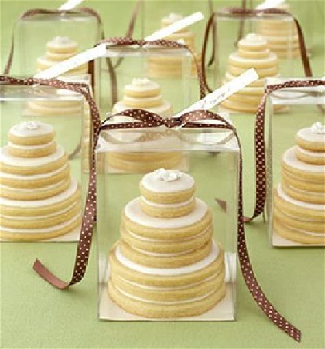 mini cake wedding favors wedding cakes pink cake box where can i buy these mini wedding cake favors pic