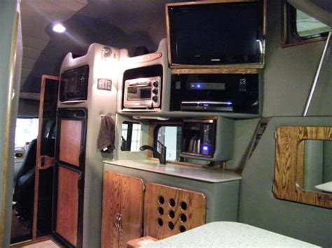 Semi Truck Inside Sleeper by Custom Semi Trucks Sleeper Interiors