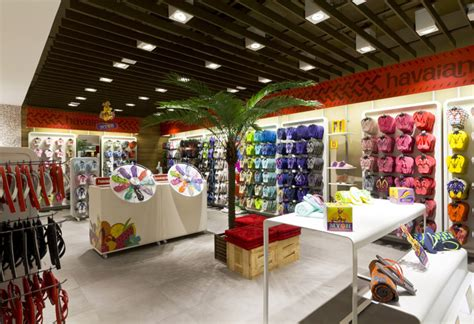 sneaker shops usa havaianas franchising unit by fal design estrat 233 gico