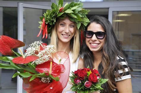 bouquet di fiori per laurea bouquet e mazzo di fiori per la laurea