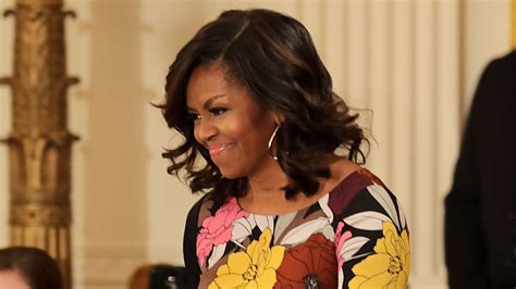 what is with michelle obama hair style michelle obama shows off lob haircut at white house event