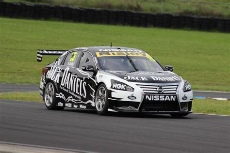 kelly nissan file r kelly nissan altima v8 supercar test 2013 jpg