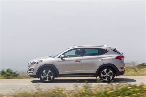 Hyundai Vs Nissan by Hyundai Tucson Vs Nissan Qasqhai Turbo