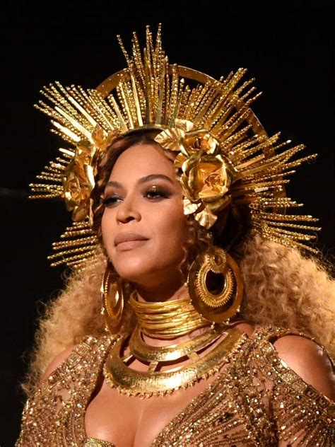 Do You Get Money For Winning A Grammy - get beyonc 233 s grammy s beauty look for just 163 60