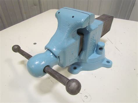 machinist bench vise yost 204 4 quot jaw machinist bench vise swivel base opens to