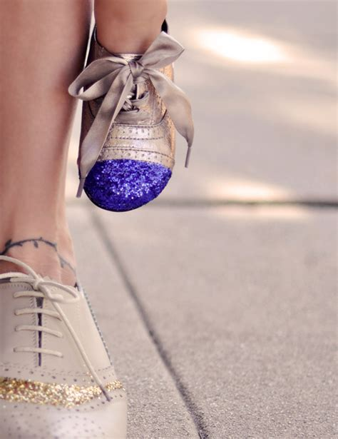 diy sparkly shoes diy glitter cap toe shoes bigdiyideas