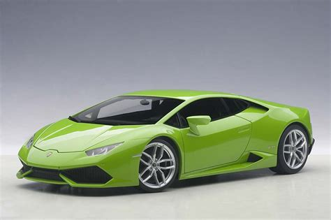 Lamborghini Green by Highly Detailed Autoart Die Cast Model Metalic Green