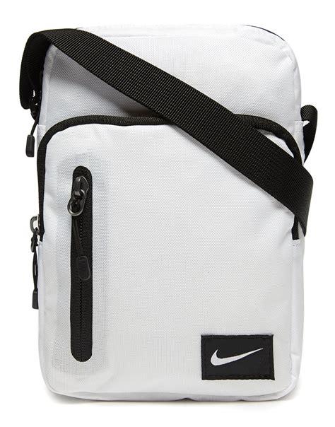 th?id=OIP.44ItlYZgZG8vAGd4a0ZFTgHaEK&rs=1&pcl=dddddd&o=5&pid=1 kids gym bag - Team   Team Football Gym Bag   Gym Sacks and Bags