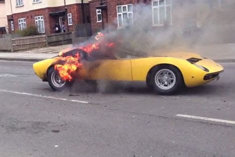 Lamborghini Brennt by Lamborghini Miura Geht In Flammen Auf Autobild De