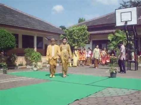 Weddingku Edisi 27 lomba keluwesan busana adat lulusan 2013 sman 4 surakarta