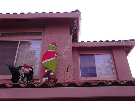 Grinch Stealing Lights House by Grinch Stealing Lights House Pattern