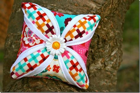 Free Pincushion Patterns Quilting by Decorative Pillows Cathedral Window Quilting Technique