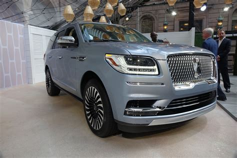 lincoln navigator 2018 lincoln navigator review ratings specs prices and