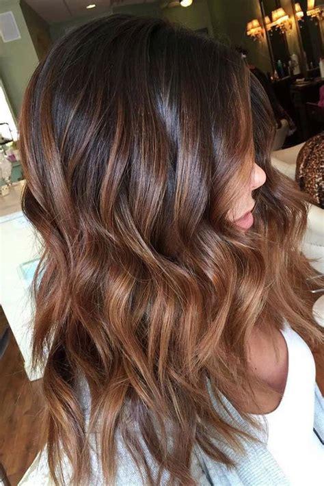 coole ideen fuer die bezaubernde haarfarbe caramel
