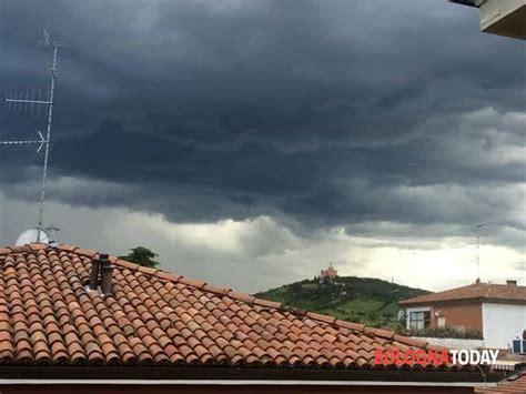 tempo bologna meteo bologna tempo instabile nuvole e pioggia in vista