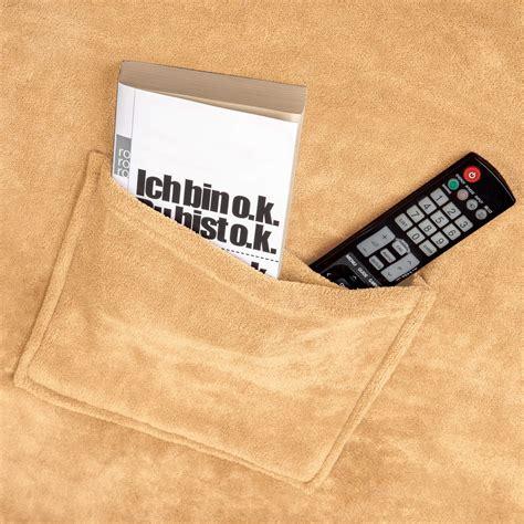 kuscheldecke mit 196 rmel wohndecke tv decke zum anziehen f 252 r