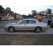 2005 LINCOLN TOWN CAR  Image 16