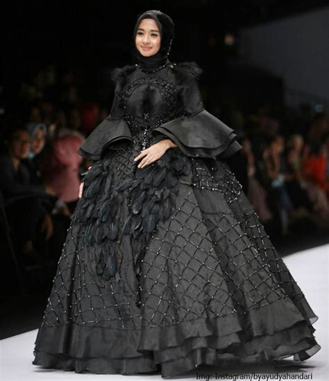 design gaun pesta hijab inspirasi gaun pengantin berhijab prelo blog tips